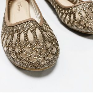 Shoes - GOLD FLATS